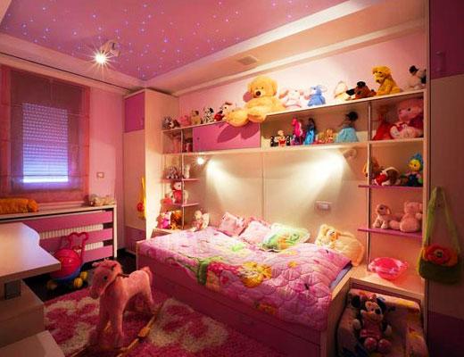 Стеллаж над кроватью