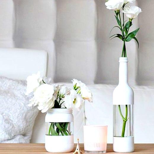 стильные вазочки из бутылок