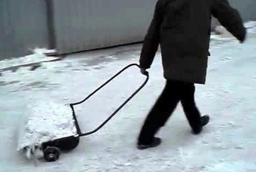 снегоуборщик на колесиках