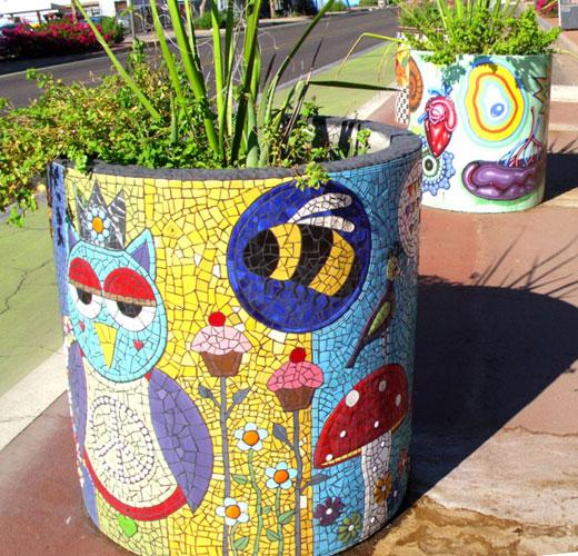 Мозаичные вазоны для сада