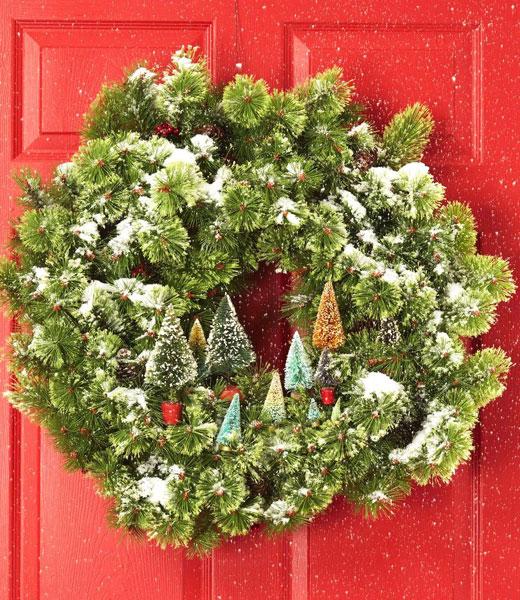 рождественский венок с елками