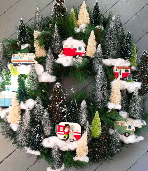 рождественский венок домики игрушки