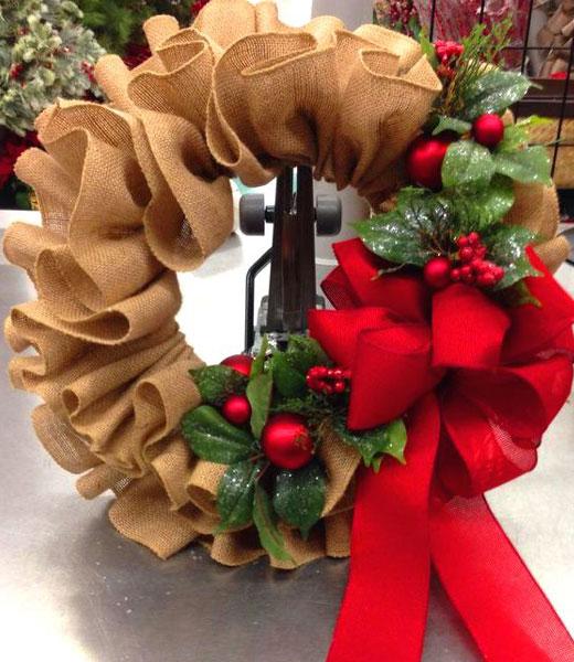 рождественский венок из мешковины