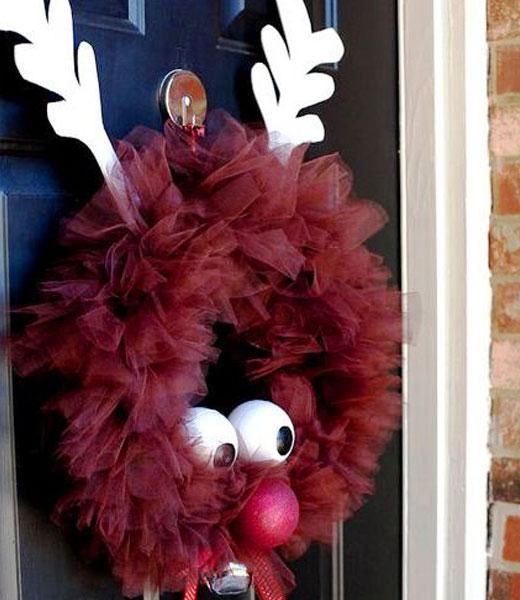 Рождественский венок с оленем из лент