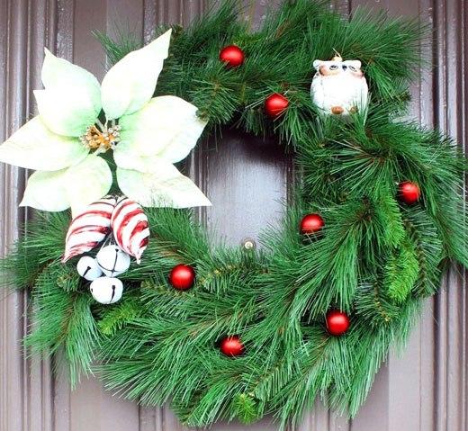 рождественский венок белая пуансетия