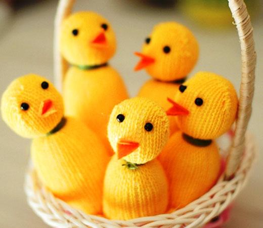 цыплята в корзинке пасхальной